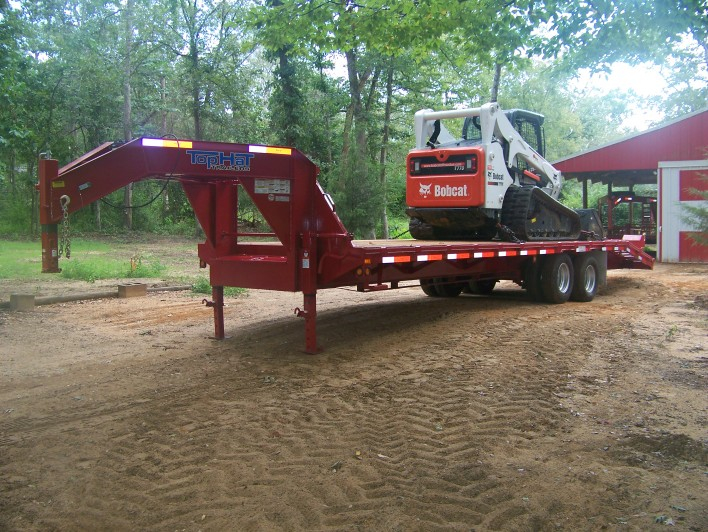 8-5-12 New Trailer with Bobcat 770 on it.jpg