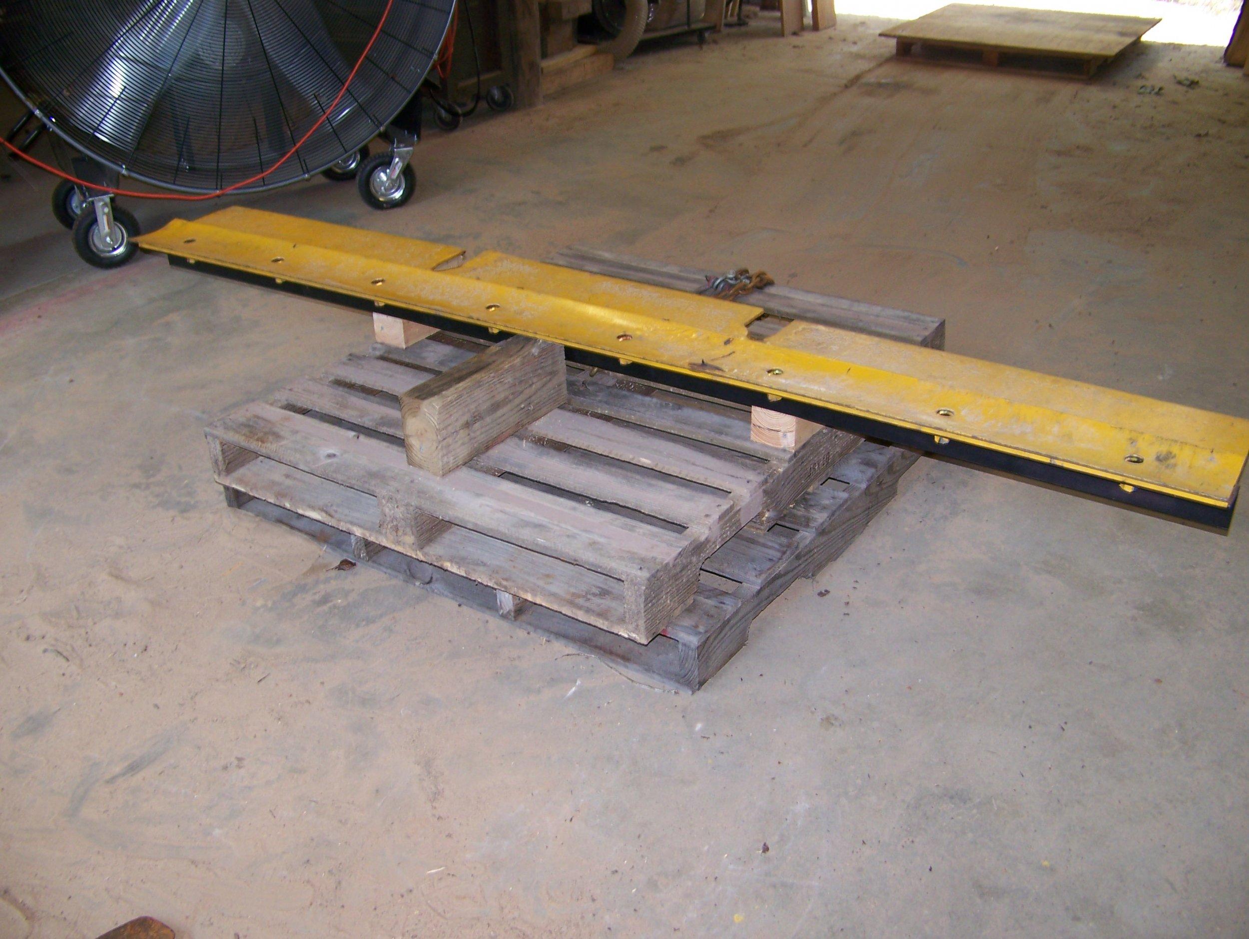 CAT 8 Foot Grader Blade Support Pallet.jpg