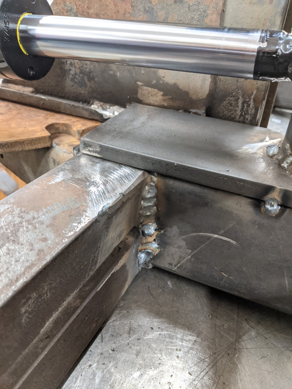 Frame vertical weld (Large).jpg