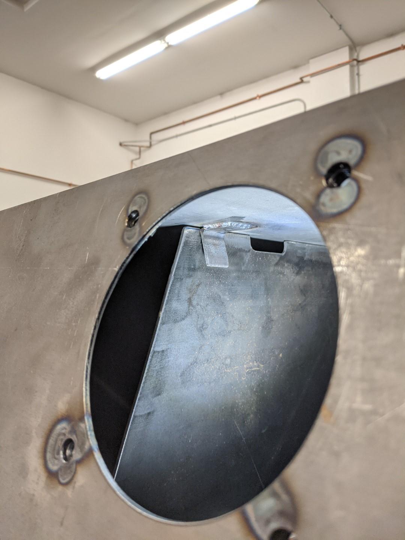 Tank baffle support inside (Large).jpg