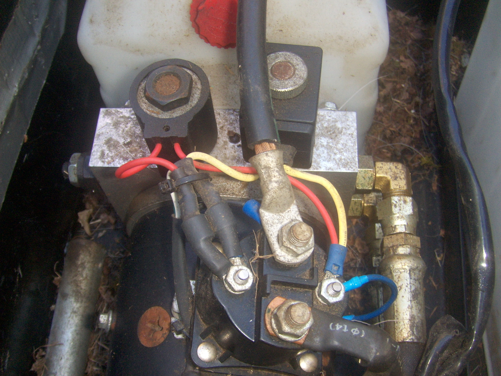Installing a remote control to 12v hydraulic pump tilt bed trailer -  TractorByNet | Hydraulic Motor Wiring Diagram |  | TractorByNet