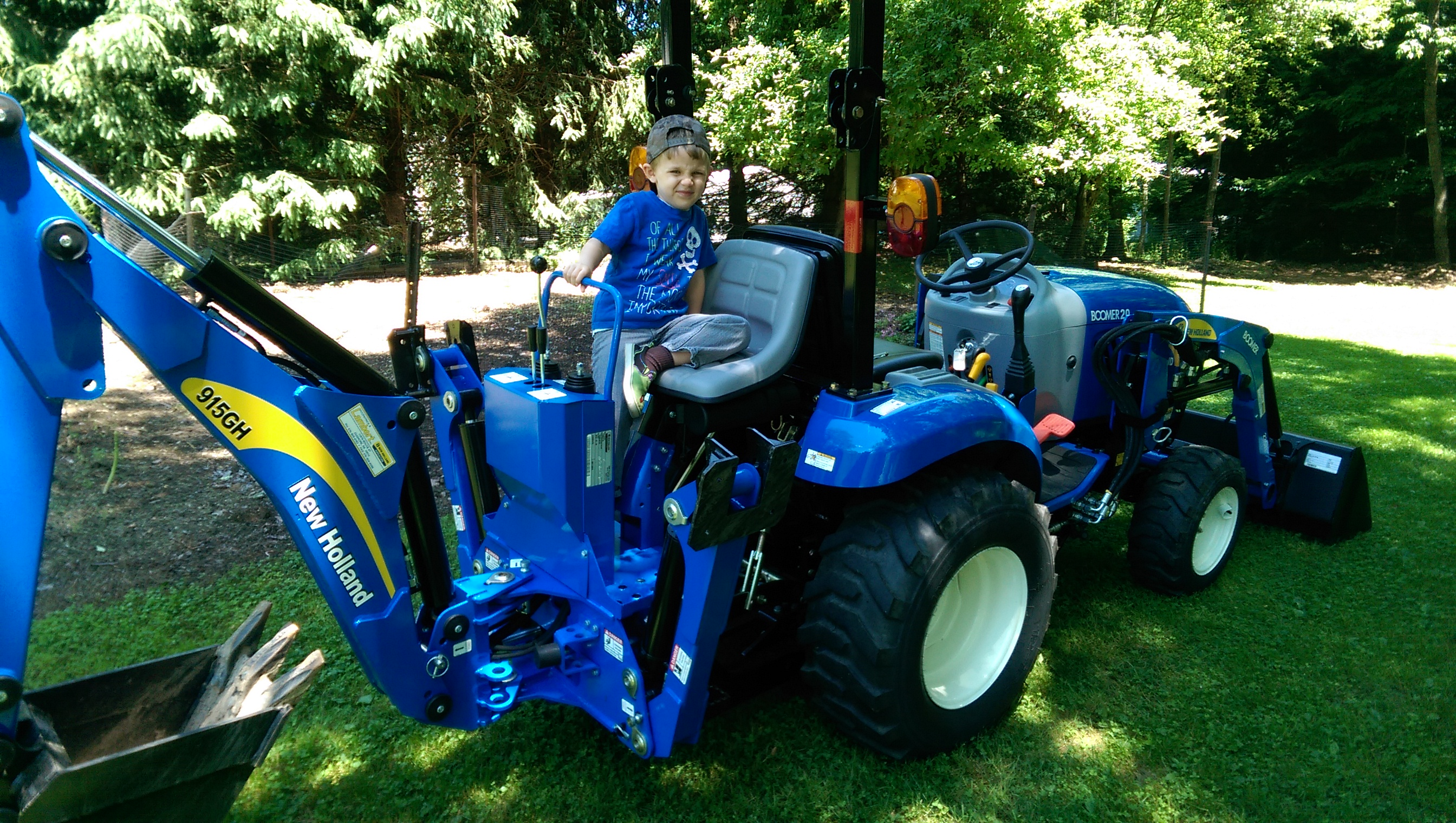New Holland Boomer 20 Photo Gallery Tractorbynet Com