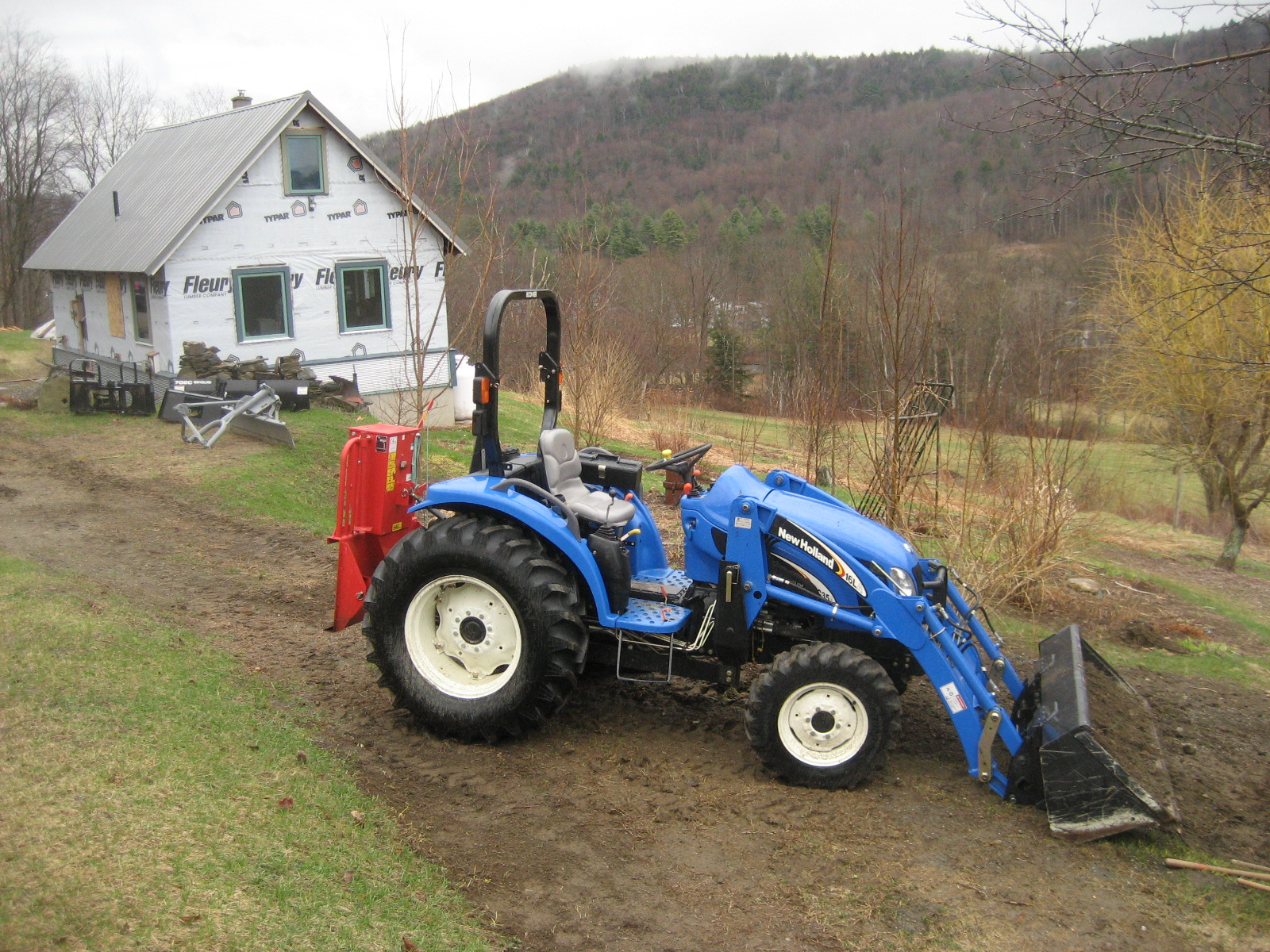New Holland TC35 Photo Gallery - TractorByNet com