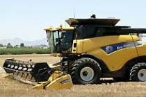 New Holland Expands CX & CR Series Combines