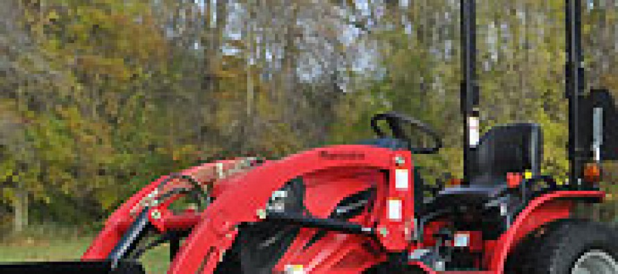 Mahindra Unveils New Tractors at Dealer Meeting