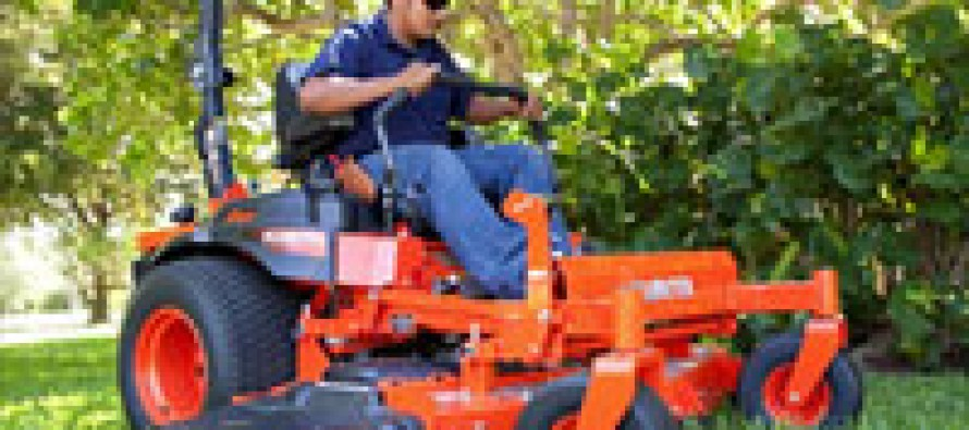 Kubota Introduces Z700-Series Commercial ZTRs