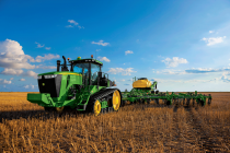 John Deere Introduces Rugged 9R/9RT Series