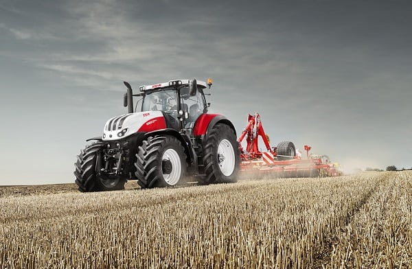 steyr_6300_terrus_cvt_with_cultivator_02
